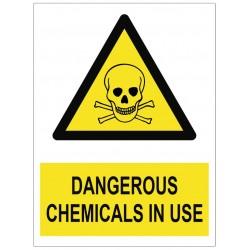 Panneau dangerous chemicals in use