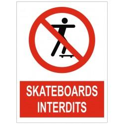 Panneau interdiction skateboards interdits