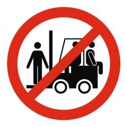 Panneau interdit transporter personnes