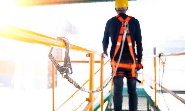 Travail en hauteur : conseils, protections, sécurité et réglementations